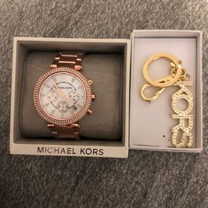 MICHAEL KORS WATCH AND KEYCHAIN